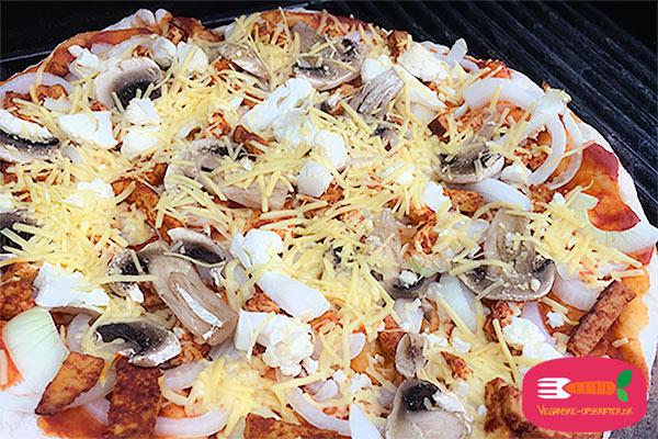 vegansk pizza opskrift til grill og grillsten