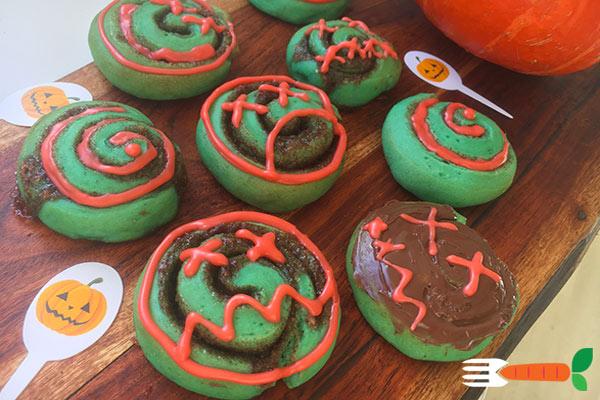veganske halloweenkager nem opskrift på sjove grønne kanelsnegle