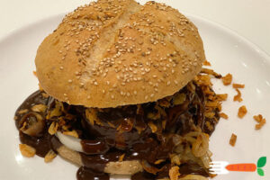 vegansk bøfsandwich opskrift med vegansk brun sovs
